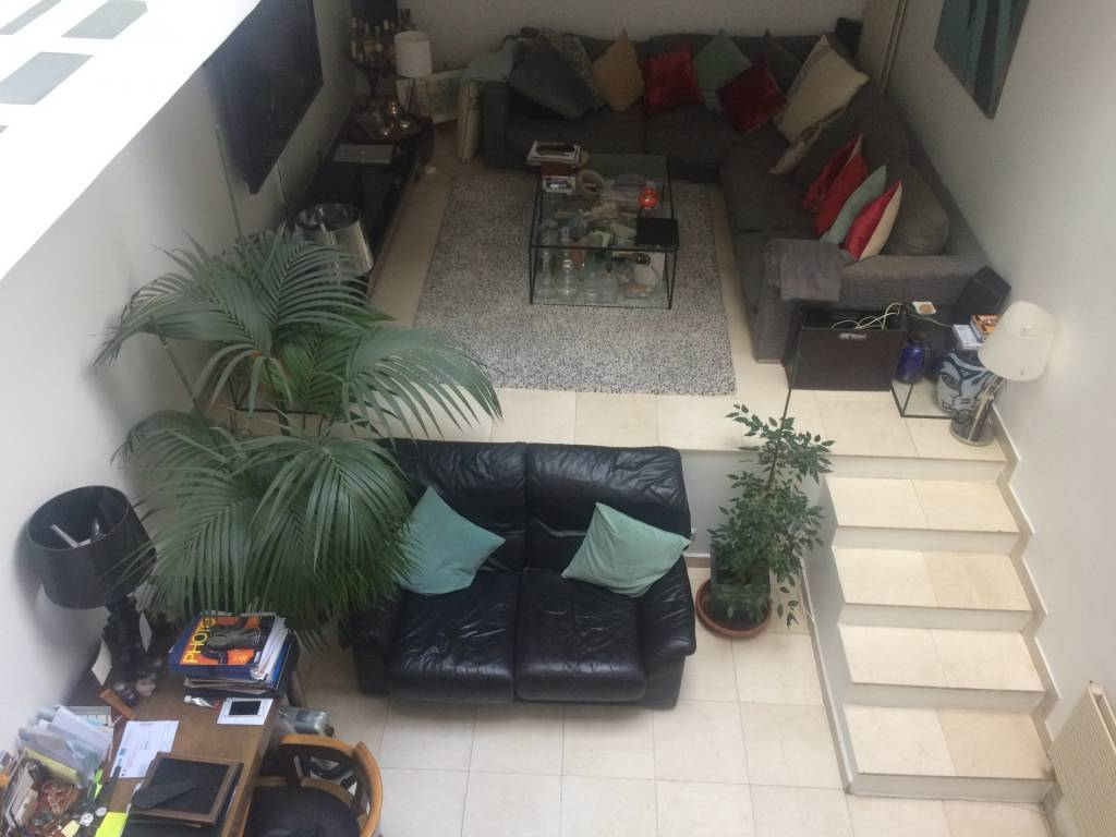 75010/Porte Saint Martin:appartement d'artiste